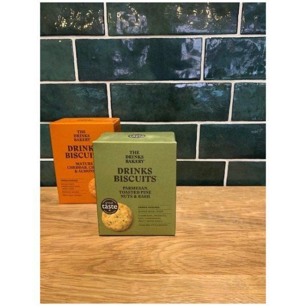 Drinks Biscuits parmesan basilika